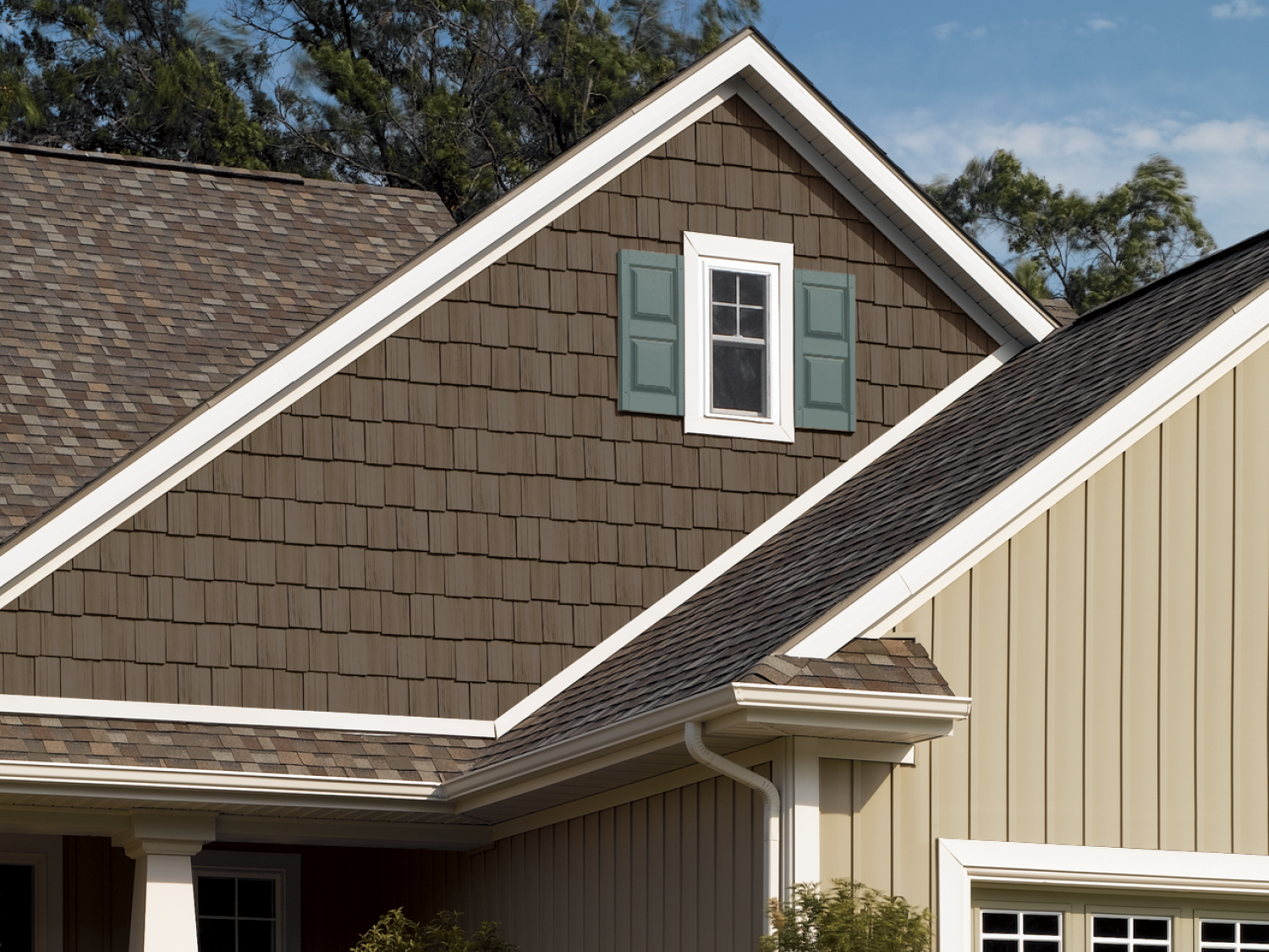 What S Hot In Exterior Design This Summer The Best Roof Amp Siding Combos Noble Roofing